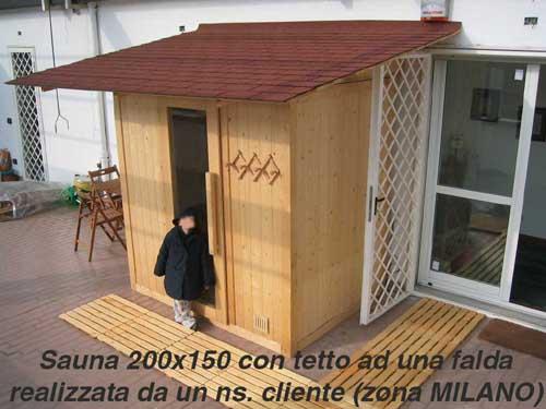 sauna da esterno con tetto ad una falda