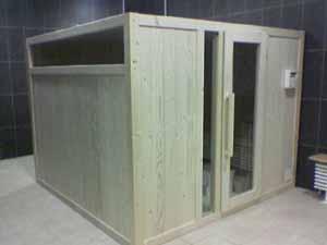 sauna con vetri panoramici