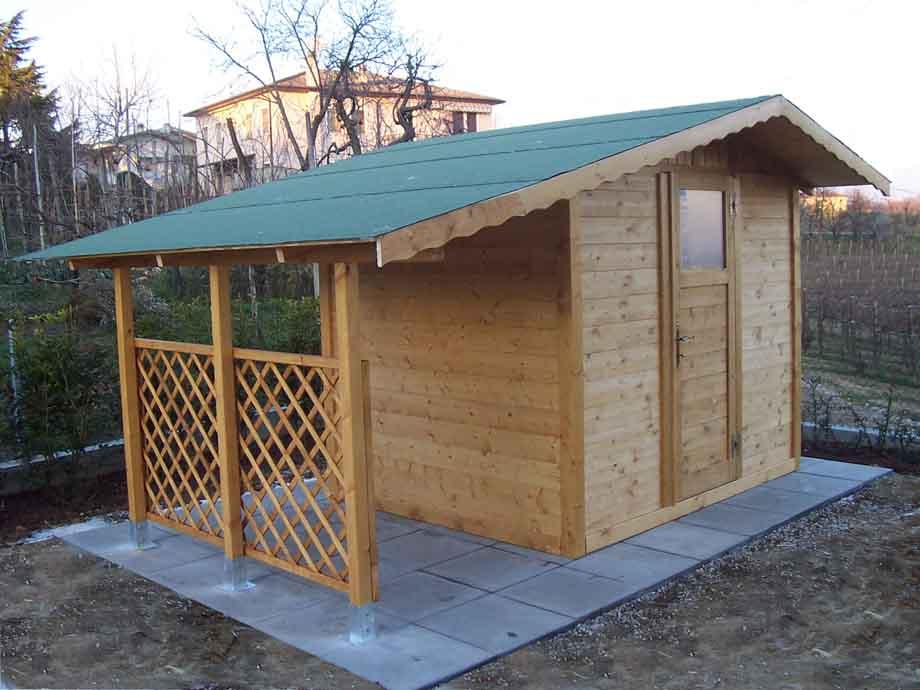 Casetta in legno 2,5x 2 con tettoia laterale + grigliato