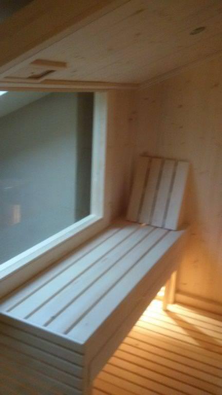 interno sauna a pendenza