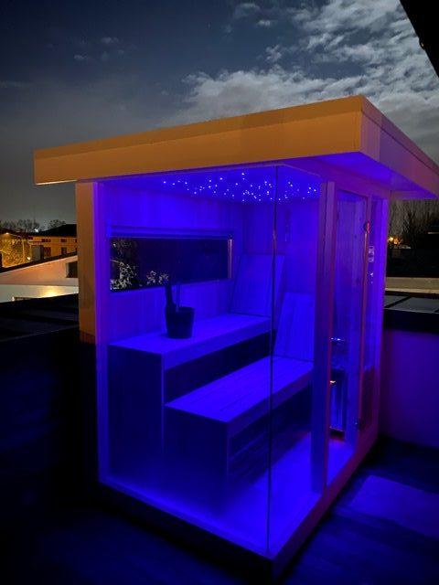 sauna da esterno con cielo stellato